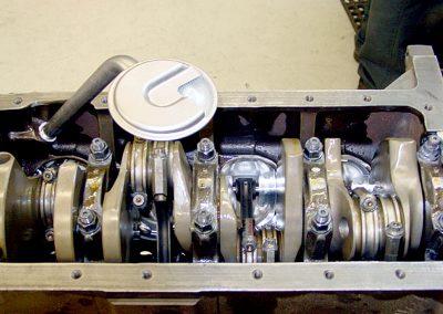 426-hemi-engine_03