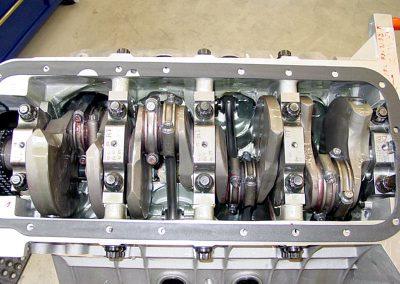 590-604-hemi-engine_img05