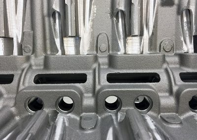 hemi-engine-block-machining-deburr